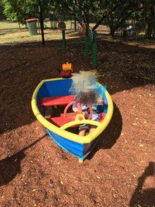 ブリスベン Neal Macrossan 公園の遊具 船