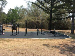 オーストラリア ブリスベン Anzac Park 公園のトレーニング設備